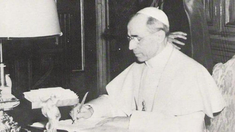 """Religione – Pio XII, la seconda guerra mondiale, Fatima e """"la danza del sole""""."""
